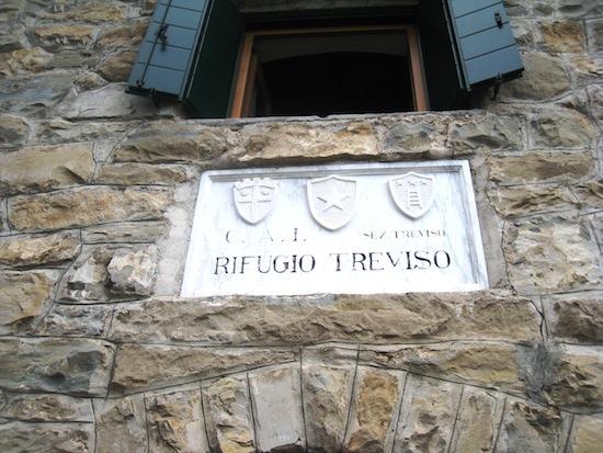 A sign Rifugio Treviso